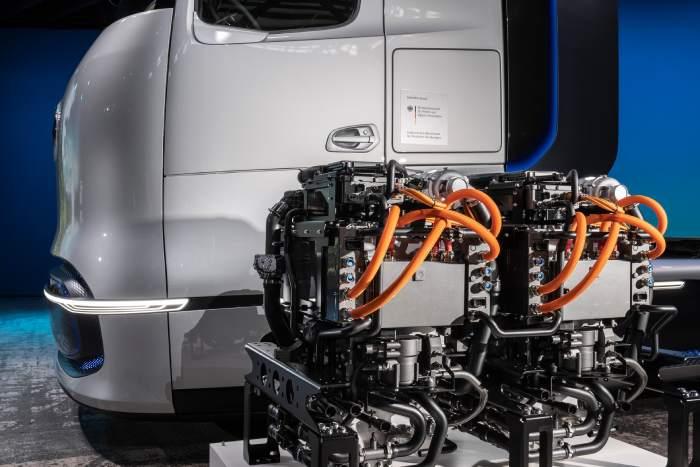 مواصفات شاحنة مرسيدس بنز GenH2 الهيدروجينية الجديدة