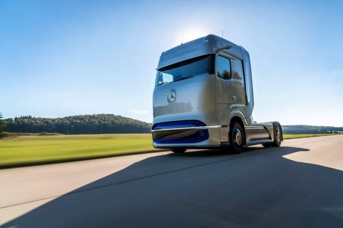 مواصفات شاحنة مرسيدس بنز GenH2 الجديدة بخلايا الوقود
