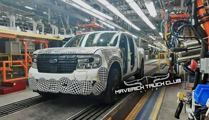 صورة شاحنة فورد مافريك 2022 بيك أب المدمجة تسربت من المصنع