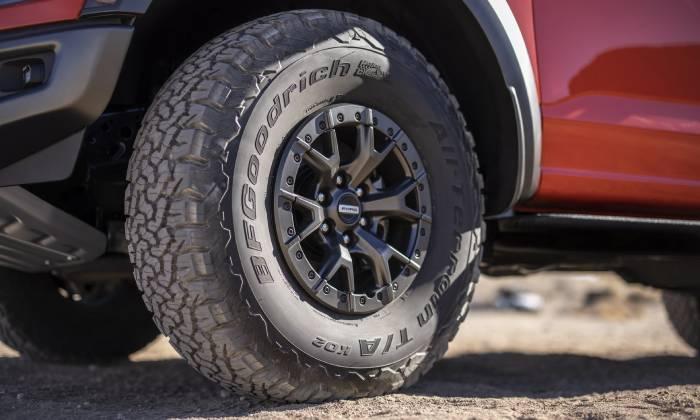الكشف عن سيارة بيك آب فورد F-150 رابتر 2021 بمحرك V6